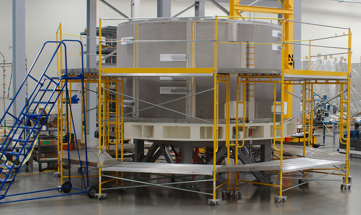Module with outer compression panels installed