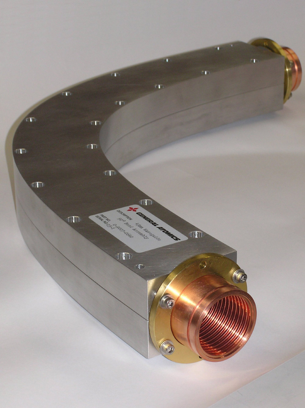 High power 90° continuous curvature bend